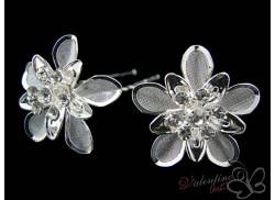 Srebrny kwiat z lustrzanymi płatkami