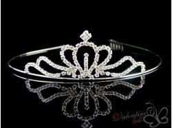 Diadem tiara ze środkiem w kształcie korony.