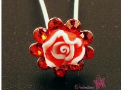 Szpilka ozdobna różyczka w cyrkoniach czerwona